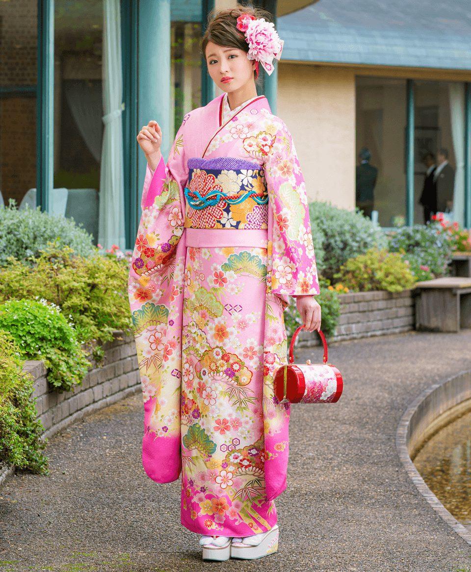 ピンクの持つ愛らしく女性らしい雰囲気が、華やかで可憐な印象を与えます。