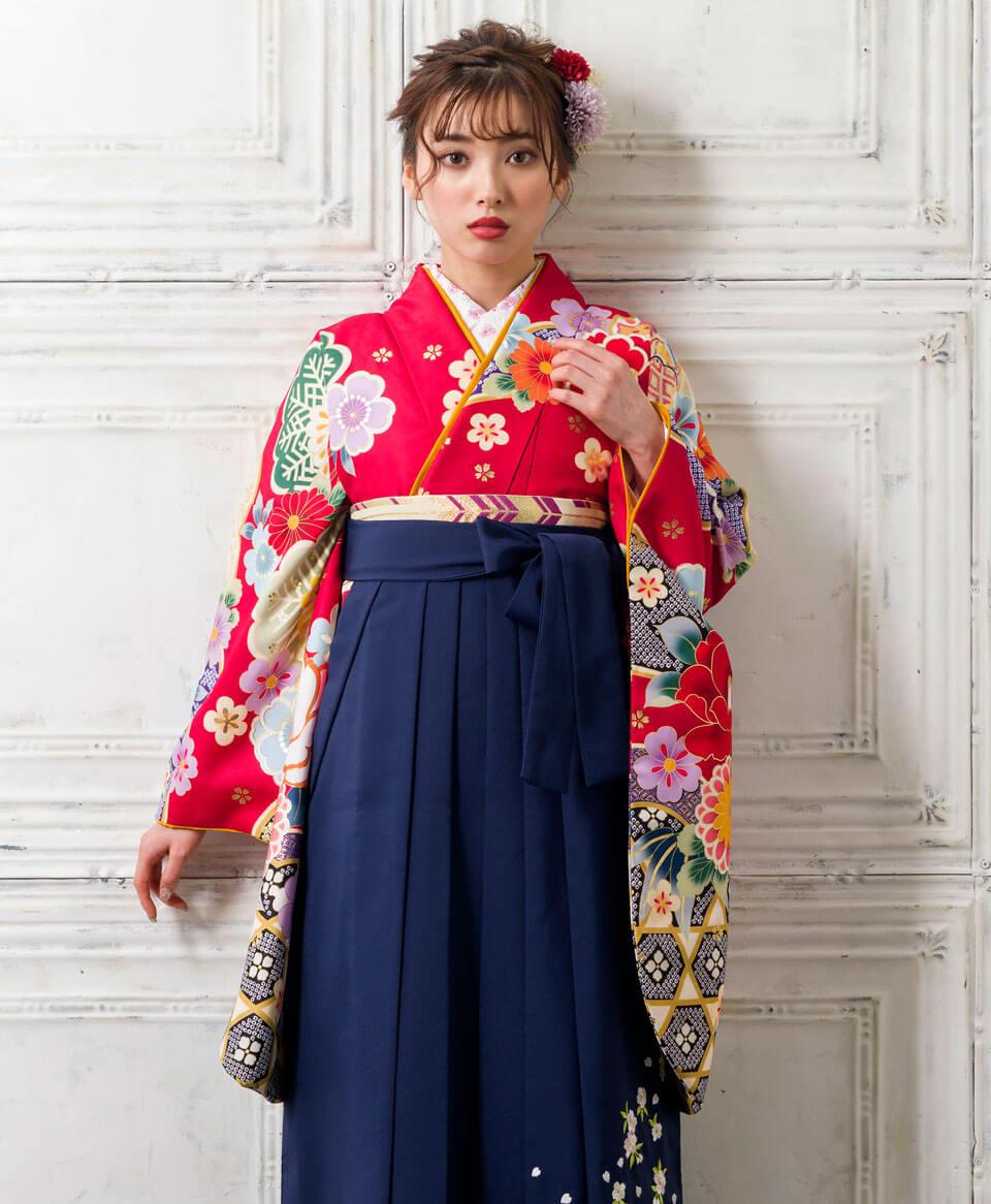 小学生におすすめの赤と紺の卒業式袴
