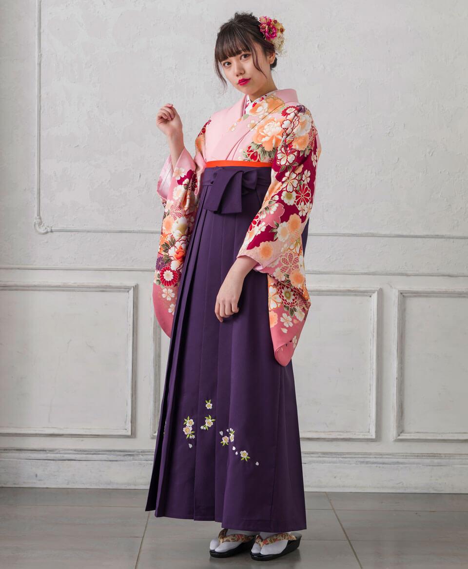 古典柄を美しく可愛く着こなせる卒業式の袴コーディネートです。