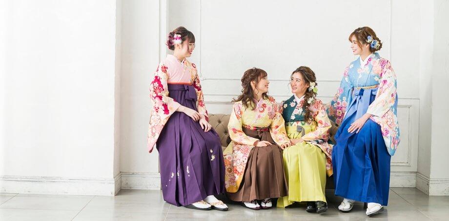 卒業式袴の着付会場が魅力的と話す女性