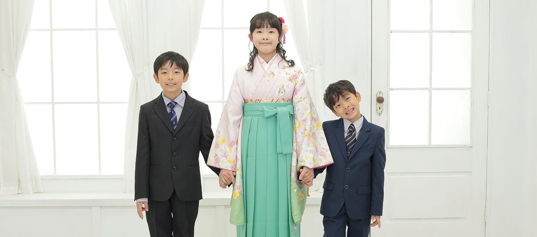卒業式の袴レンタルでご兄弟と前撮り写真を