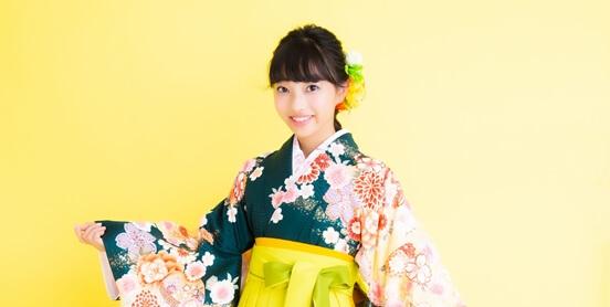 袴レンタルをする小学生に人気のスタジオ前撮りパック