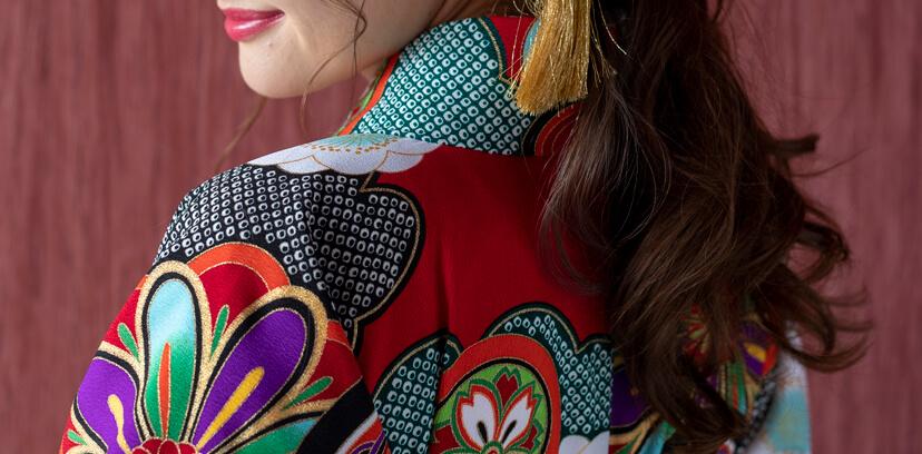 袴姿を美しく着こなす